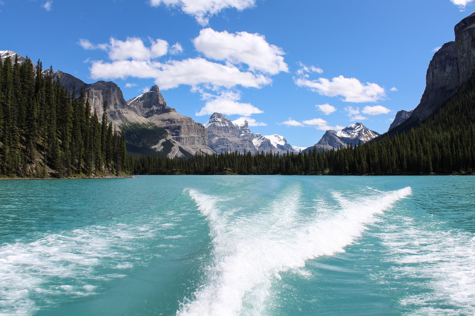 The 13 Most Beautiful Places To Add To Bucket List In Canada Add To Bucketlist Vacation Deals