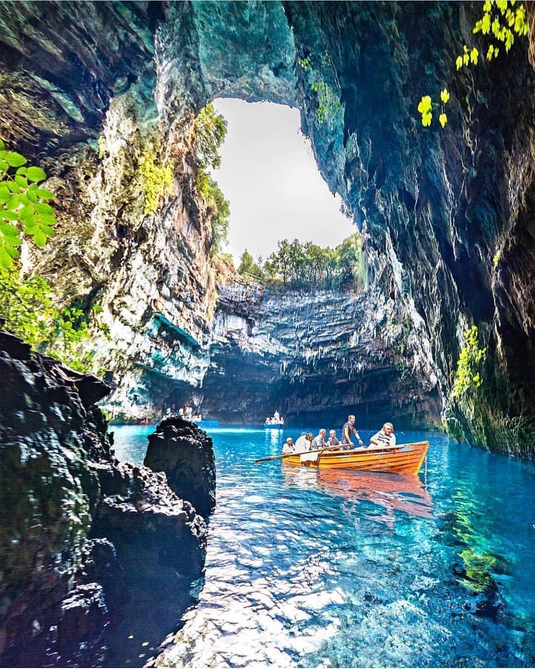 15 Jaw Droppingly Beautiful Views Around The World